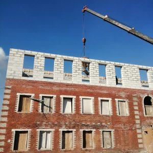 Перестройка здания гостиницы возле ипподрома в Череповце